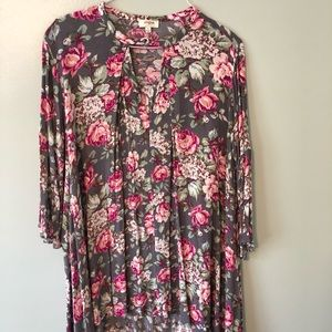 Grey and pink floral Umgee tunic size XL